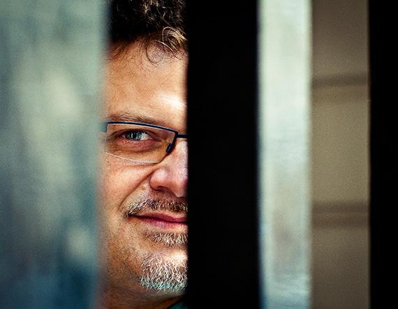 Marc Vieillefon, portrait caché par des barreaux, Musirando