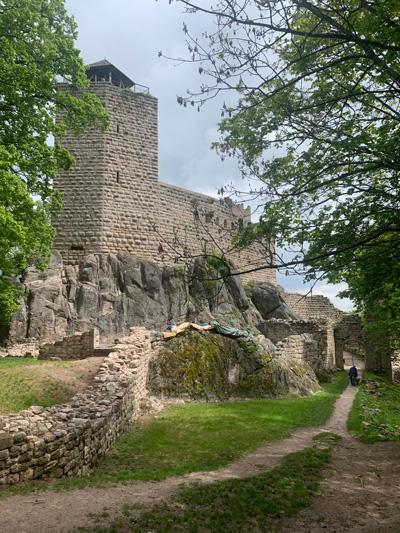 Un joli château sur la route de Musirando !