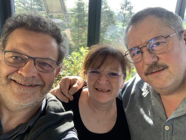 Avec « Madame le maire » Florence et son mari Jean, le Mac Gyver du Pays de Bitche ou comment transformer des roues de Toyota en scie à métaux électrique.